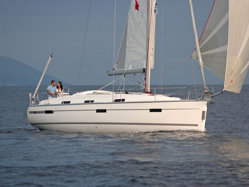 BAVARIA 36 CRUISER Sailboat Charter Croatia