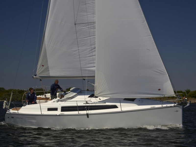 Bavaria Easy 9.7 sailing price