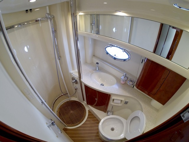 Fairline Phantom 40 segeln
