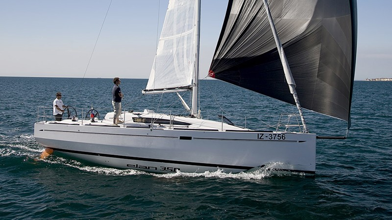 Elan 350 charter Croatia