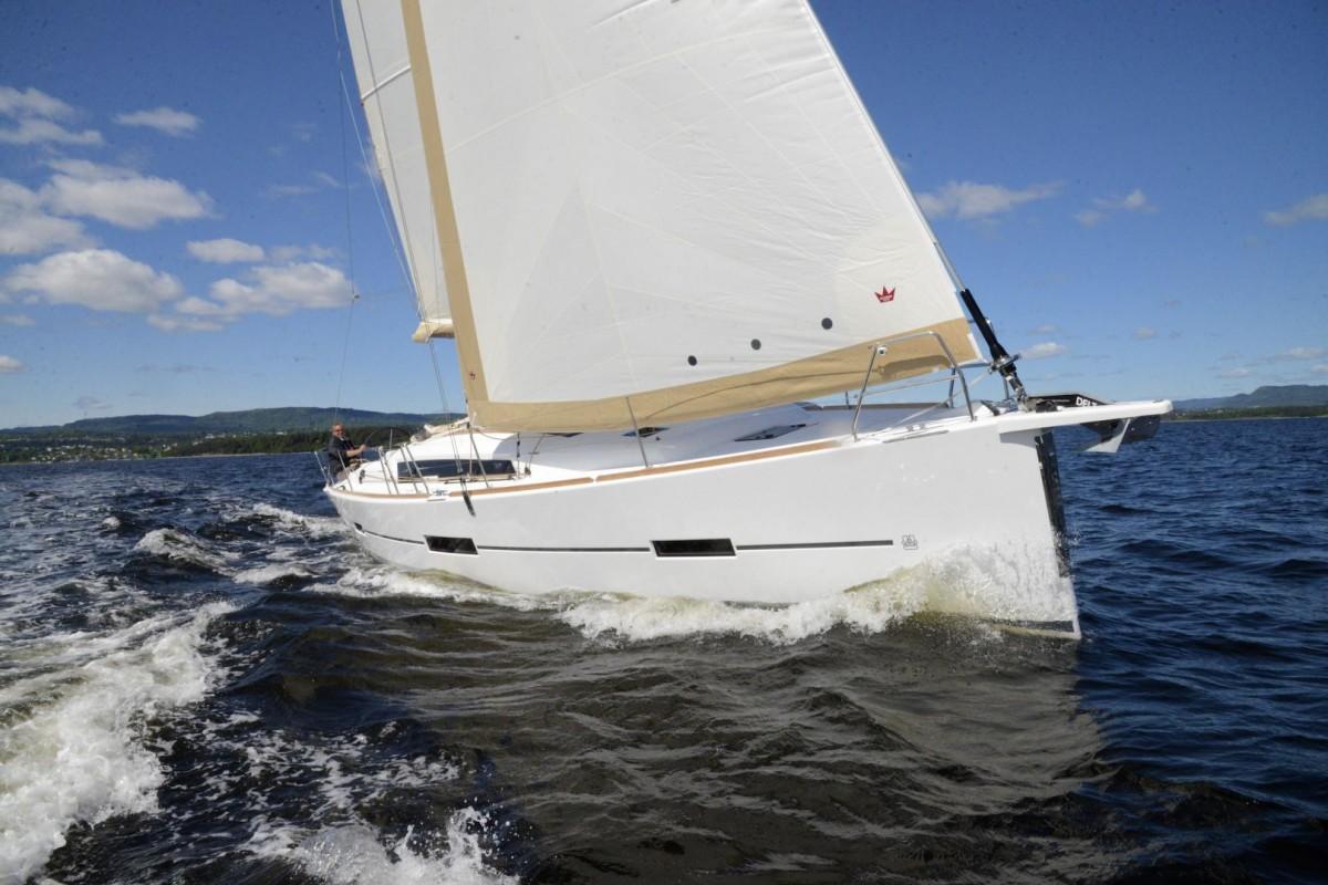 DUFOUR 412 GL sailing boat