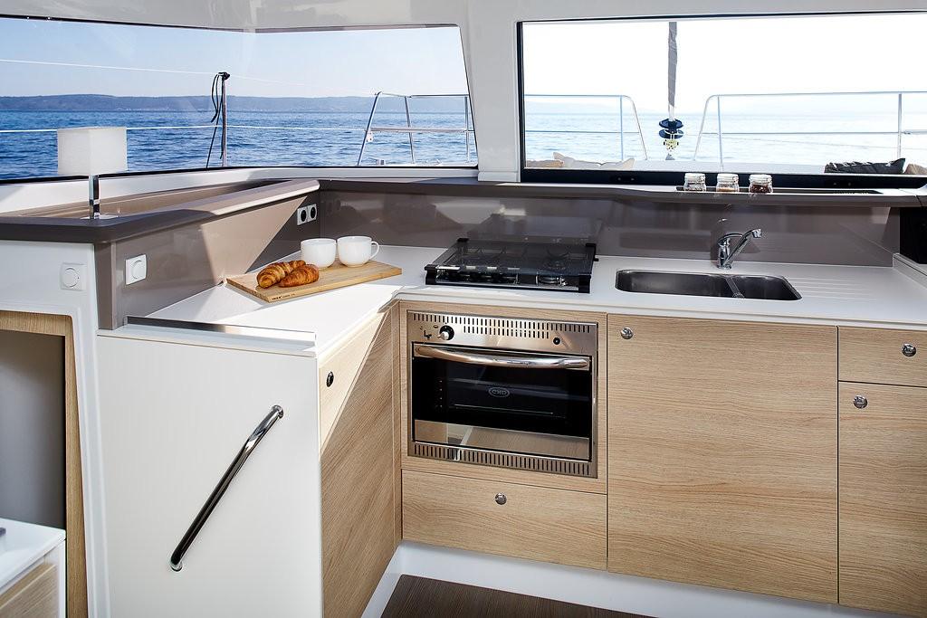Hire-catamaran-bali-4.0-kastela